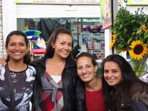 Aquí, con mis amigas de Colombia Travel Bloggers: Edith, de Mi Viajar; Naty, de Cuentos de Mochila; y Lina, de Patoneando
