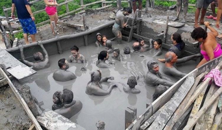 Mucha gente en el Volcán El Totumo