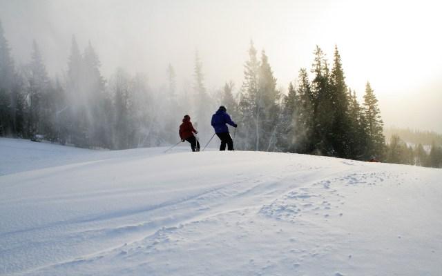Reisetipps Urlaub im März Skifahrer in Åre Schweden