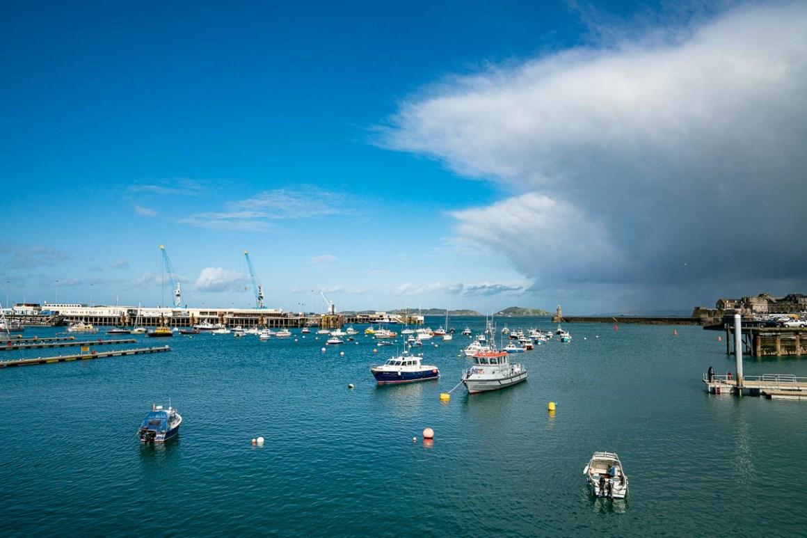 Guernsey weer zonnig en bewolkt