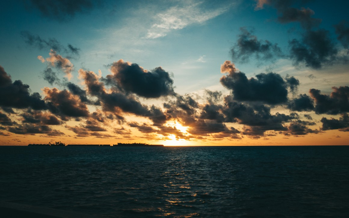 "maldives-holiday-sunset ""width ="" 1200 ""height ="" 750 ""srcset ="" https://i1.wp.com/viel-unterwegs.de/wp-content/uploads/2019/09/malediven-urlaub-sonnenuntergang.jpg?w=1160&ssl=1 1200w, https: //viel-unterwegs.de/wp-content/uploads/2019/09/malediven-urlaub-sonnenuntergang-500x313.jpg 500w, https://viel-unterwegs.de/wp-content/uploads/2019/09/malediven vakantie-zonsondergang-768x480.jpg 768w, https://viel-unterwegs.de/wp-content/uploads/2019/09/malediven-urlaub-sonnenuntergang-1024x640.jpg 1024w ""sizes ="" (max-breedte: 1200px ) 100 vw, 1200 px ""/></noscript data-recalc-dims="