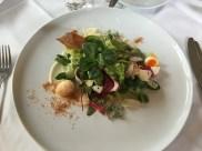 Blattsalate mit Balsamicoessig und Olivenöl