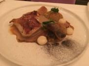 Schwarzfeder-Huhn | Sellerie | Zucchini | Kräuterseitling