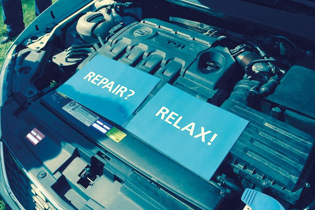 Das Risiko einer teuren Reparatur etwa nach einem Urlaubs-Check lässt sich mit einer Reparaturkostenversicherung abfedern.