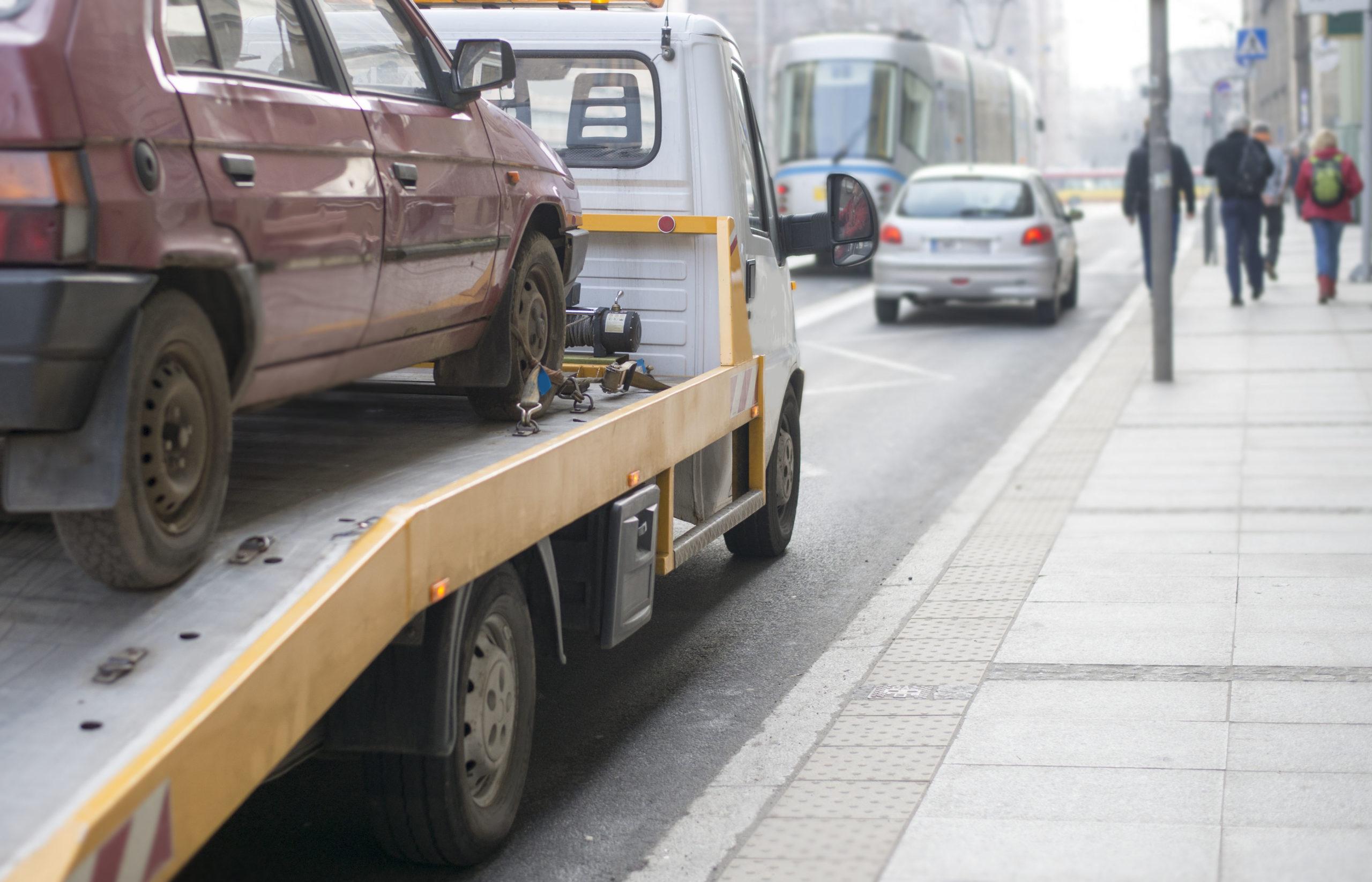 Verkehrsrecht und Automobilclubs: Nicht immer gilt die kostenlose Abschlepphilfe