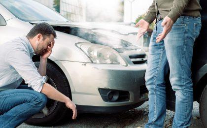 Auch nach kleinen Karambolagen müssen sich Schädiger und Geschädigter mit der oft mühsamen Unfallabwicklung befassen.