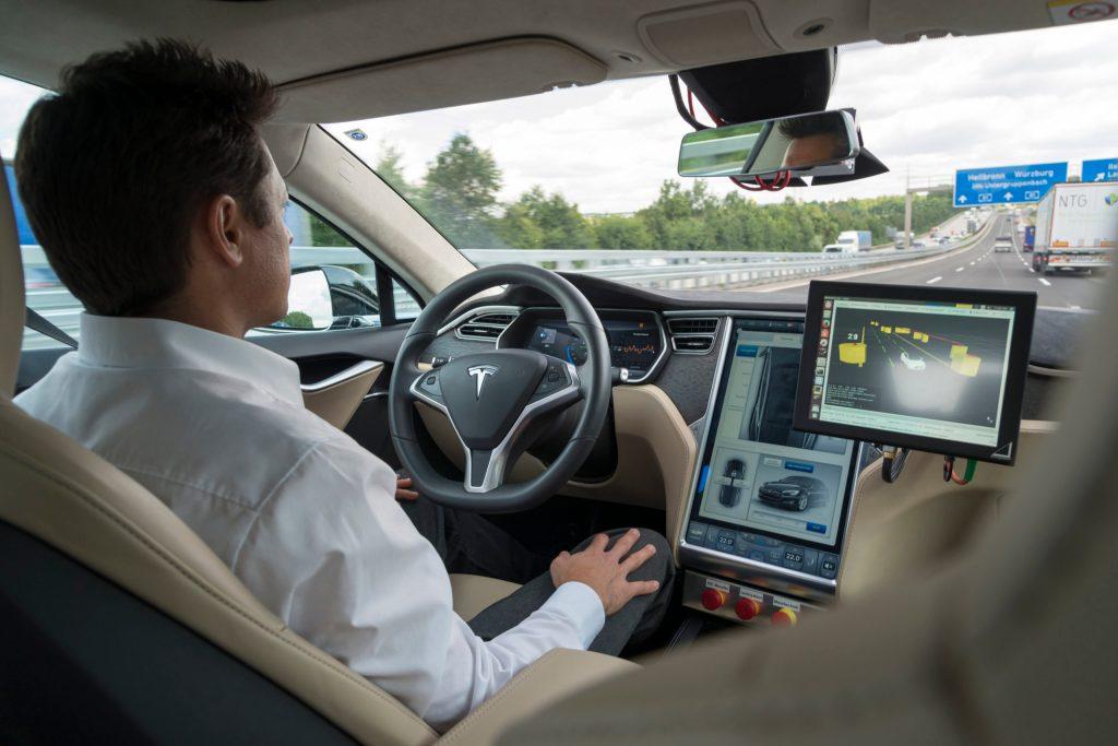Das automatisierte Fahren der Zukunft findet viel Zustimmung, hat eine aktuelle, repräsentative Studie ergeben.