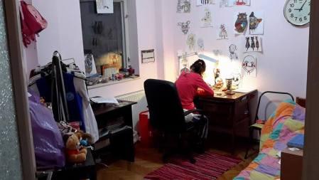 camera fetita 12 ani
