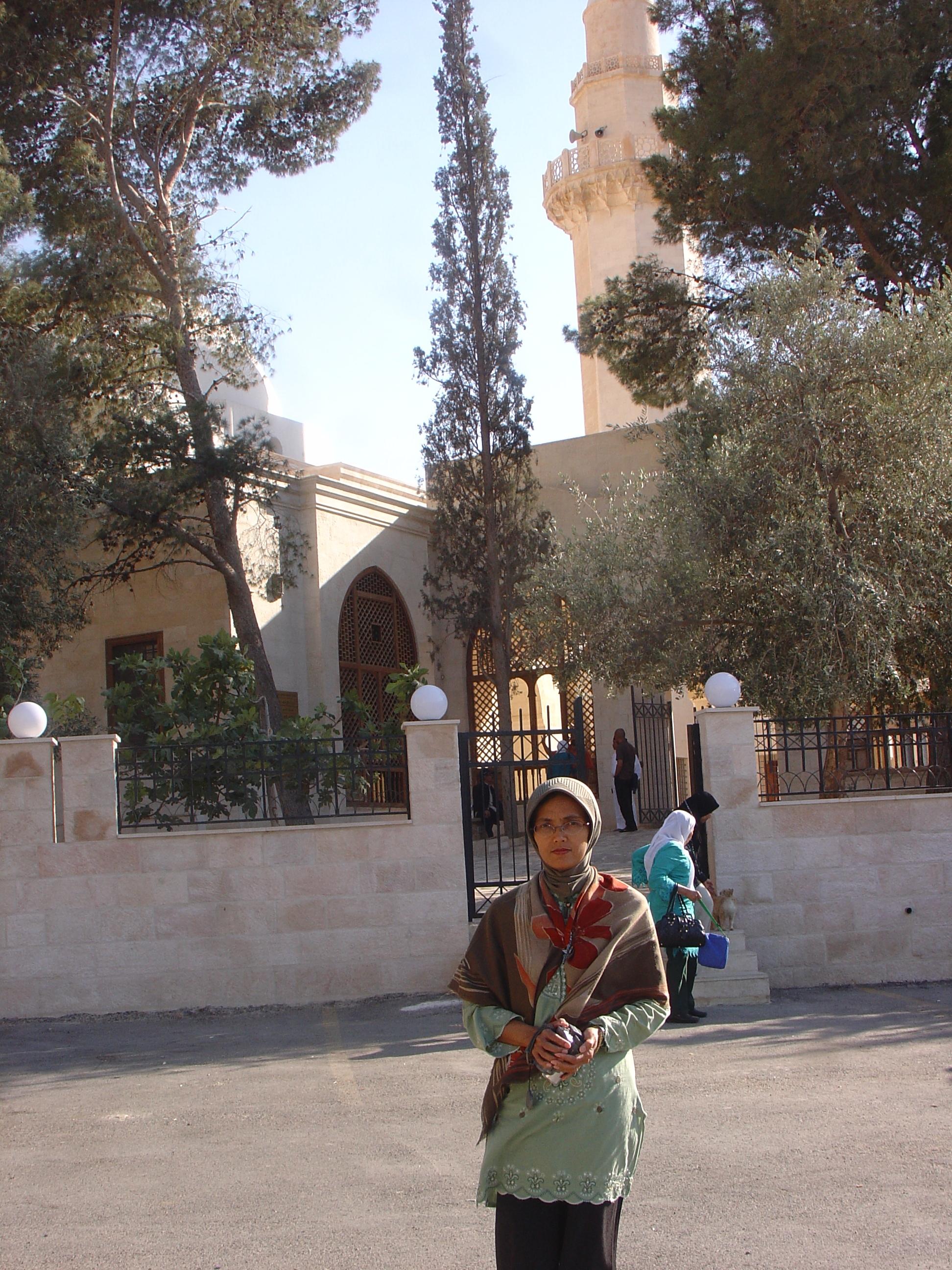 Masjid dimana makam Syuaib as berada
