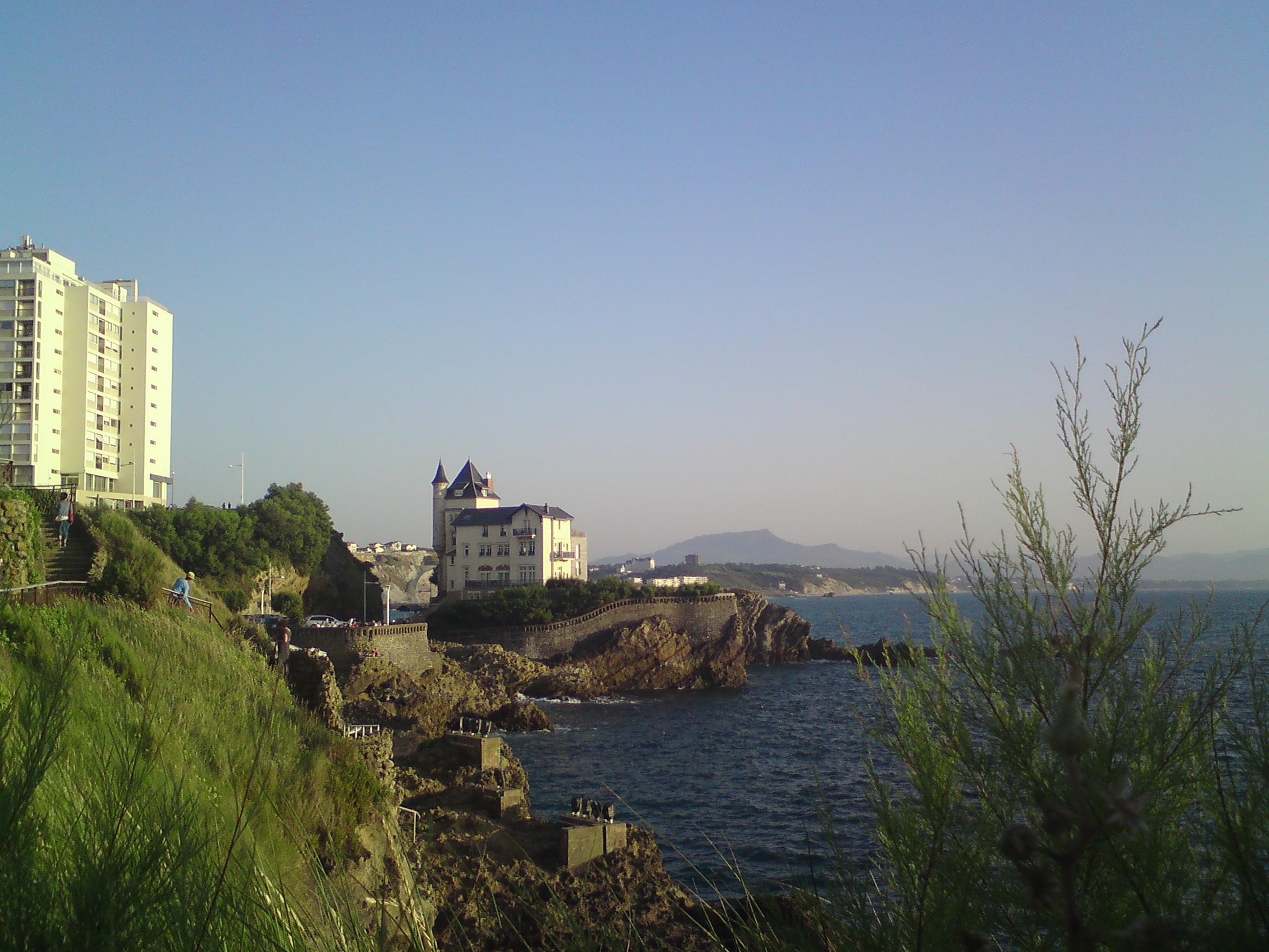 Biarritz diantara laut & pegunungan