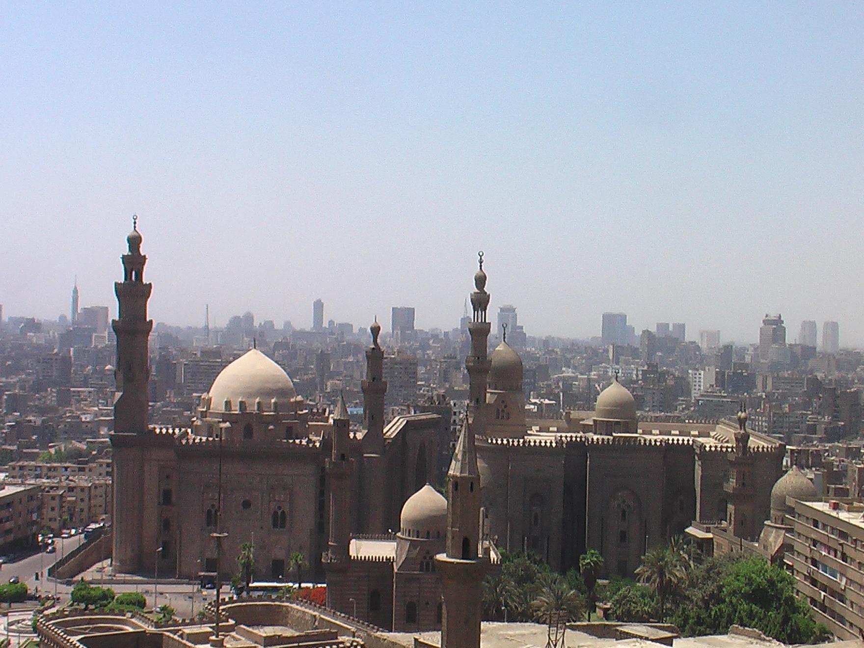 Kawasan Benteng Salahudin dengan Kairo di latar belakangnya.