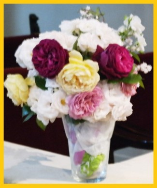 The beautiful flowers on last Sunday's worship were donated by Linda Bednar.