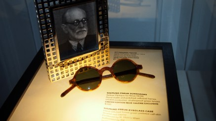Sigmund Freud sun glasses in Neue Galerie shop