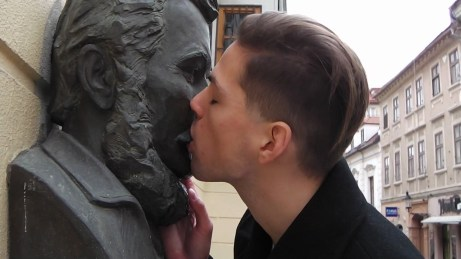 Matej Kaminsky, National Passion, 2010, film, 2'10, courtesy of Knoll Galerie Wien