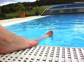 02 Swimmingpool Clinique Happy