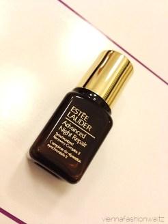 33 Beautesse Beauty Box Dezember 13 Estee Lauder