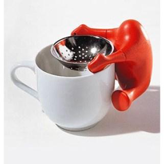 ...von Alessi http://www.einrichten-design.de/de/tea-egg-tee-ei-normann-copenhagen.html