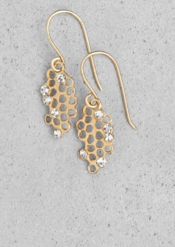 Lara Melchior honeycomb earrings € 45,00