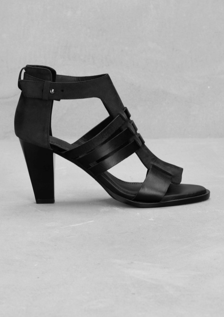 Leather sandals € 75,00