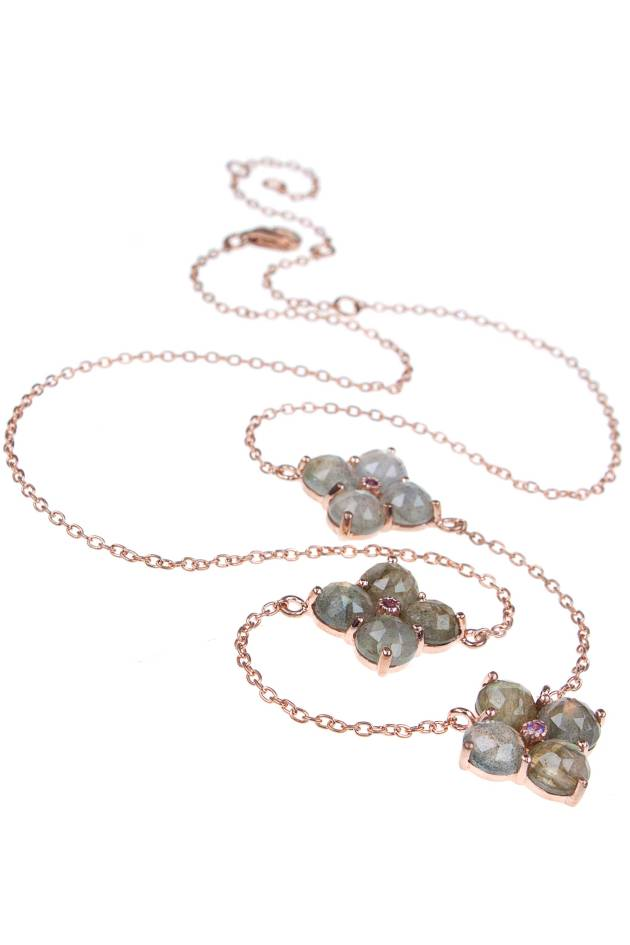 Zarte Blumenkette rosé vergoldet von New One 89€ http://www.newone-shop.com/new-one-jewelry/rose-vergoldete-kette-sterling-silber-labradorit-amethyst-blumen.html?listtype=search&searchparam=blume%20labradorit