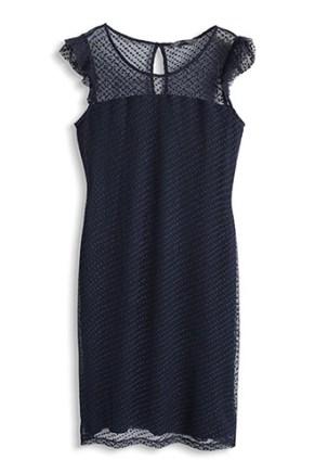 Esprit Punkte-Mesh Kleid mit Flügelärmelchen € 79,99 www.esprit.at/damenmode/kleider/cocktail-party/punkte-mesh-kleid-mit-fl%C3%BCgel%C3%A4rmelchen-044EO1E036_411