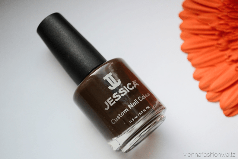 Blog Vienna Fashion Waltz - Jessica Cosmetics Nail Colour Mad for Madison Autumn in New York - Nailcair Nagellack 12