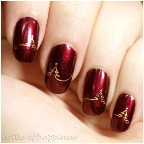 http://holicoffee.com/top-15-beauty-christmas-nail-art-design-new-easy-winter-manicure-diy-ideas/