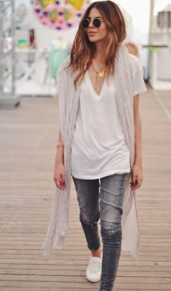 Plane White T-Shirt Picture via Pinterest https://viennafashionwaltz.files.wordpress.com/2015/02/plane-white-t-shirt-blog-vienna-fashion-waltz-picture-via-pinterest-https-https-_www-pinterest-com_pin_200691727119975270_.jpg