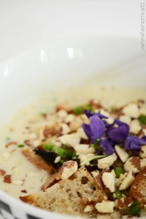 Rezept Topinambursuppe mit Croutons und Mandeln Dekoration Schnittlauch VeilchenBeauty Lifestyle Blog Wien Vienna Fashion Waltz (6)