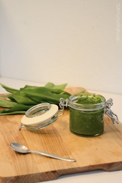 Blog Vienna Fashion Waltz Vegan Rezept homemage Gnocchi mit Chicoree Bärlauchpesto Bloggerreihe Saisonales Kochen (6)