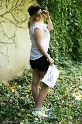 Johanna Hauck Shirt und Clutch