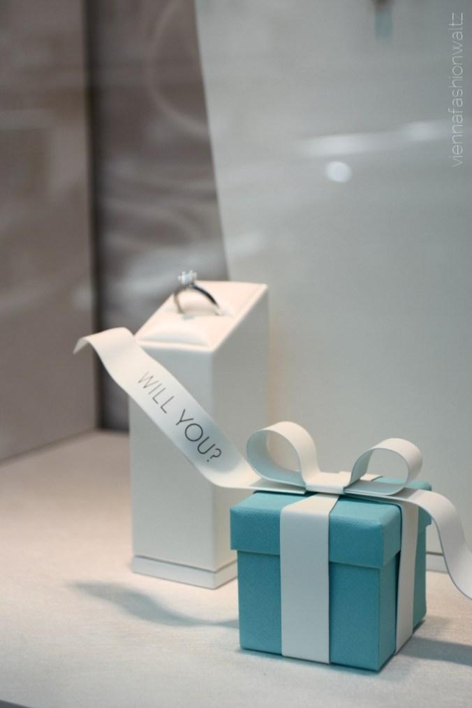 Lifestyle Fashionblog Wien www.viennafashionwaltz.com Tiffany Ring Wedding Hochzeit merry me