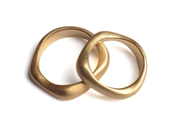 Eheringe in Gelbgold ab 860€ pro Ring