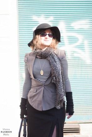 Fashionblog www.viennafashionwaltz.com Stripes Comma &otherstories dress like french parisienne (22 von 36)