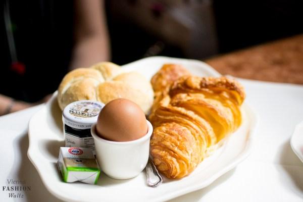 food-lifestyleblog-wien-oesterreich-www-viennafashionwaltz-com-cafe-central-fruehstueck-good-morning-vienna-16-von-36