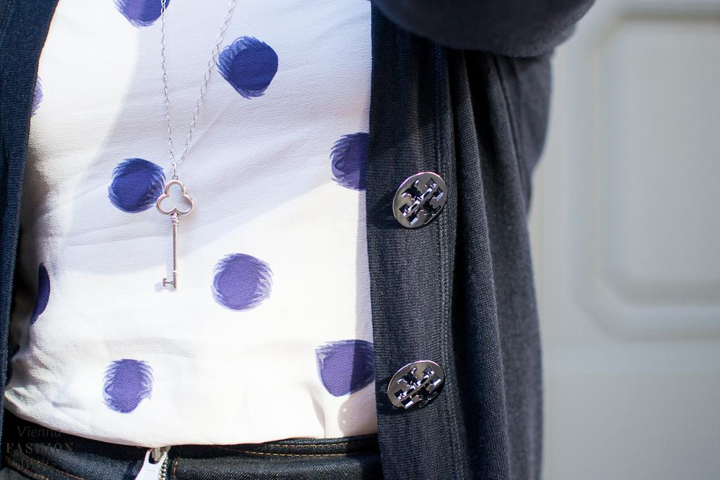 fashion-food-lifestyle-blog-wien-austria-osterreich-www-viennafashionwaltz-com-cozy-knits-cardigan-weste-27-von-43