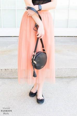 fashion-lifestyle-blog-wien-austria-www-viennafashionwaltz-com-plisseerock-25-von-56