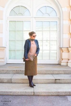 fashion-lifestyle-blog-wien-austria-www-viennafashionwaltz-com-plisseerock-38-von-56
