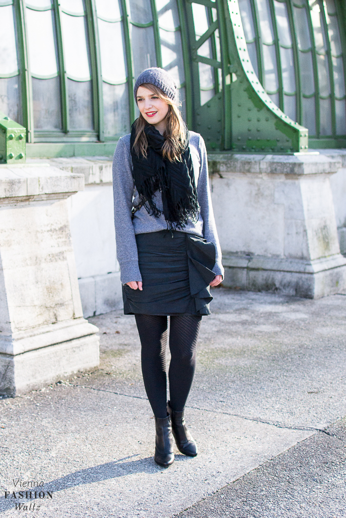 Falling for Tights: All you need is an All Black Outfit   Style, Fashion, Trends