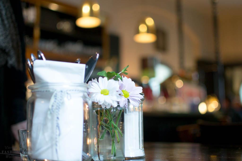 Frühstück im Das Augustin [Lokaltipp] blog-wien-austria-www-viennafashionwaltz-com-fruhstuck-dasaugustin