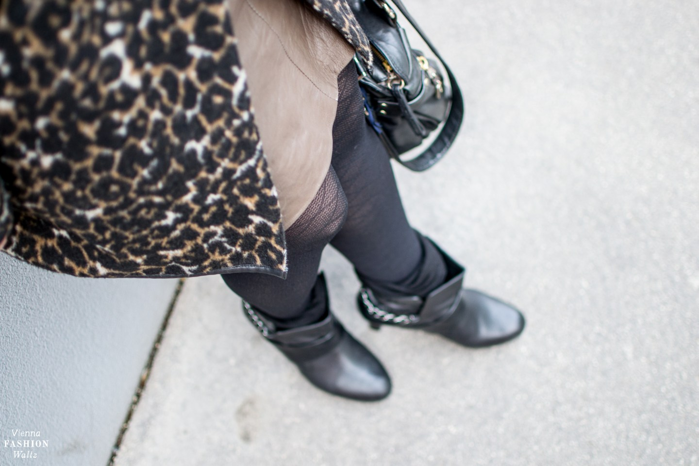 Fashion Trends   How to wear Leopard Print! Outfit with leopard print Coat and Leather Skirt