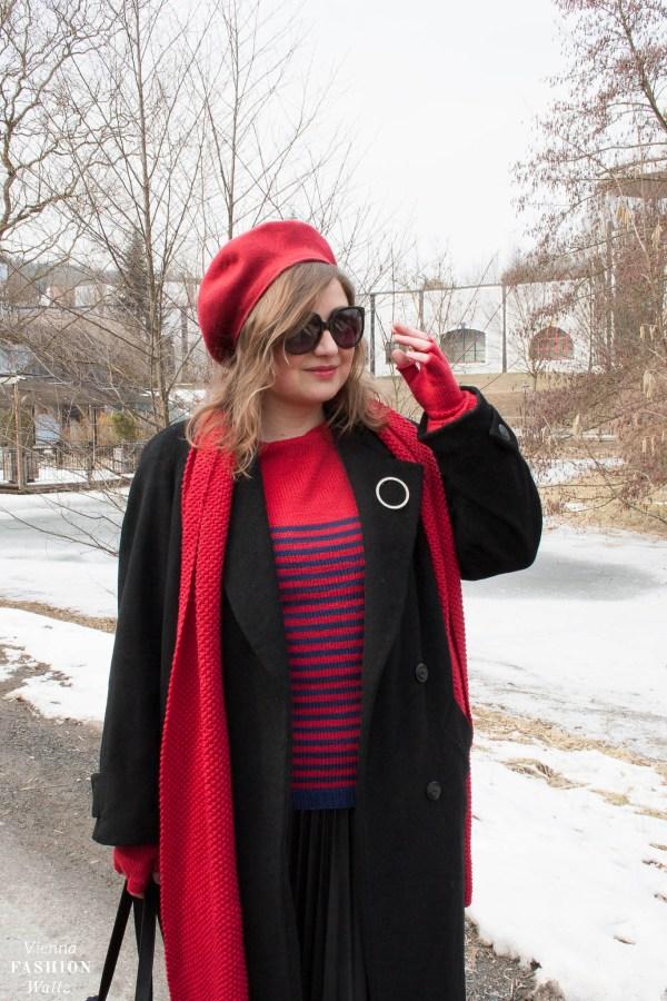 French Style mit selbstgestricktem Streifenpulli, Streetstyle, Outfit, Fashionpost, Fashio, kostenlose Strickanleitung, Location- Bad Blumau - www.viennafashionwaltz.com