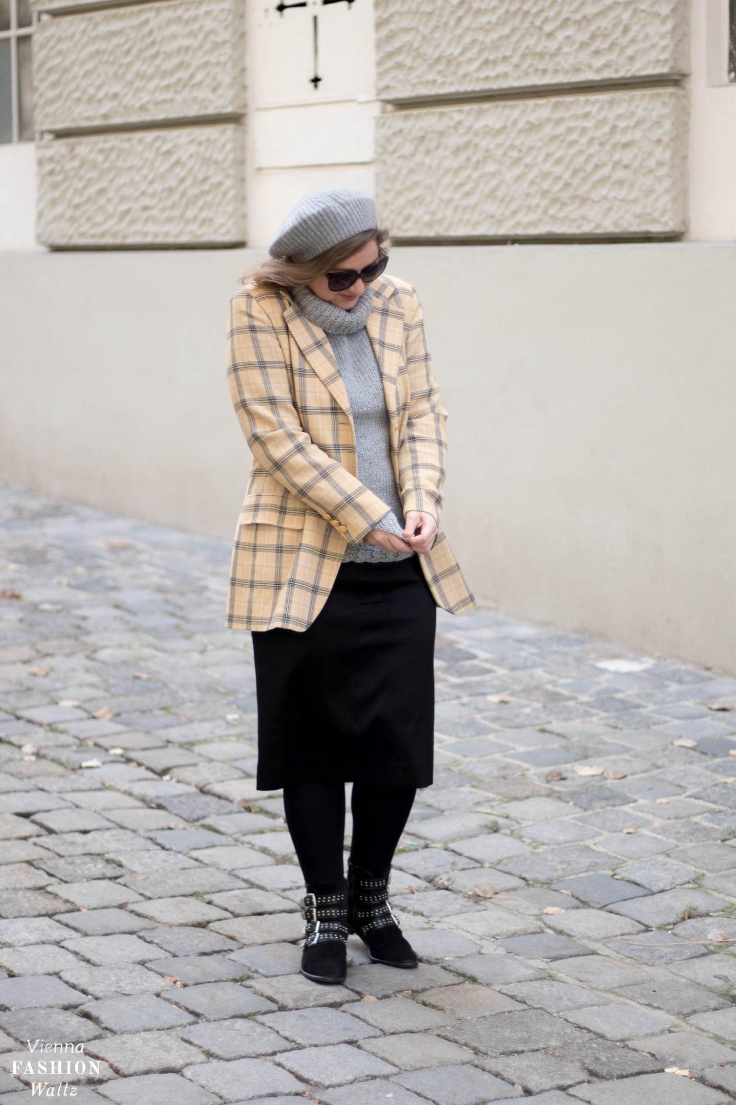 Vintage Escada Blazer und YSL Rock mit selbstgestricktem Pulli, Vintage Fashion Style, Outfit- www.viennafashionwaltz.com-15