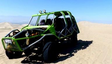 véhicule 4X4 dans les dunes huacachina