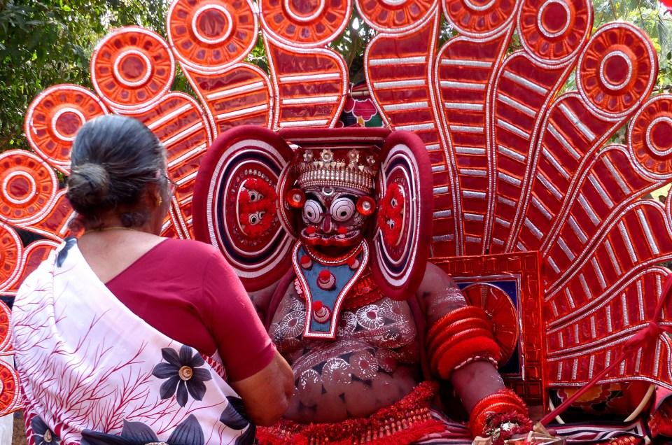 L'étrange rituel du Theyyam au Kerala