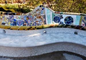 Banc de pierre gaudi parc guell barcelone