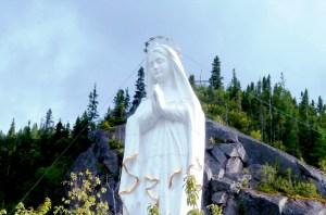 statue vierge blanche