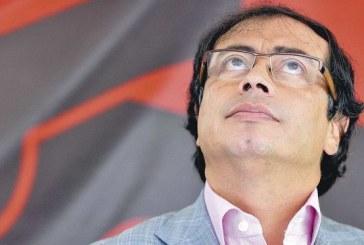 Exalcalde Gustavo Petro denunció eliminación de los videos de su mandato en el canal de la alcaldía en Youtube