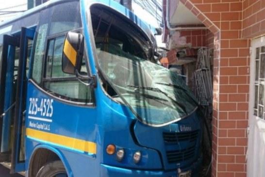 Choque de bus del SITP en el barrio Santa Inés de San Cristobal deja 17 heridos