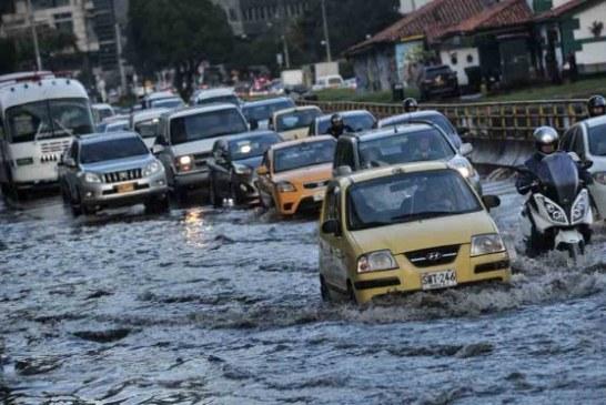Autoridades continúan en seguimiento a las fuertes lluvias en Bogotá